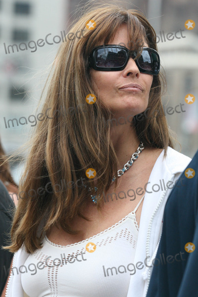Alexei Yashin, Carol Alt Photo - NYC  08/26/06