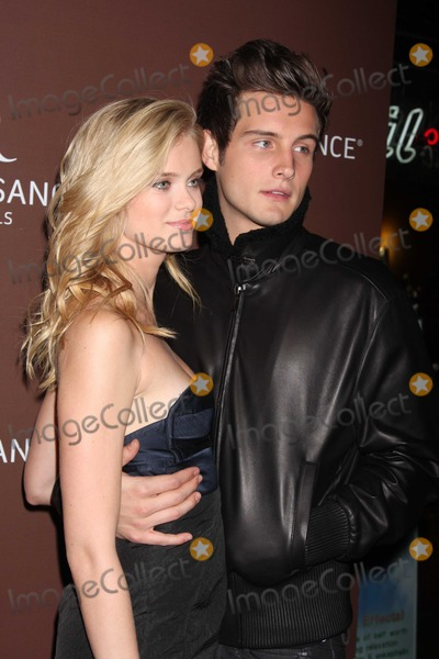 """Photos and Pictures - NYC 09/17/09 Sara Paxton and boyfriend Nico Tortorella (both of """"The ..."""