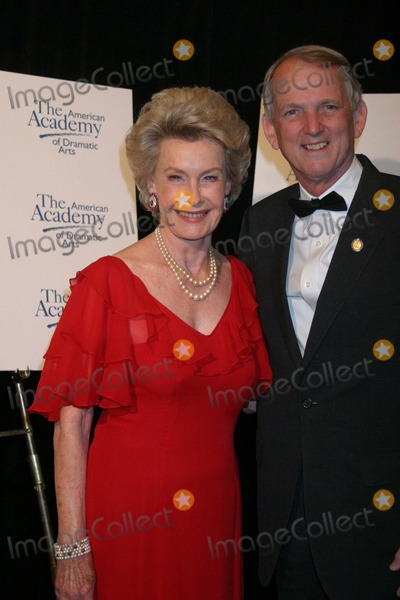 Dina Merrill, Rob Simmons Photo - NYC  04/17/05