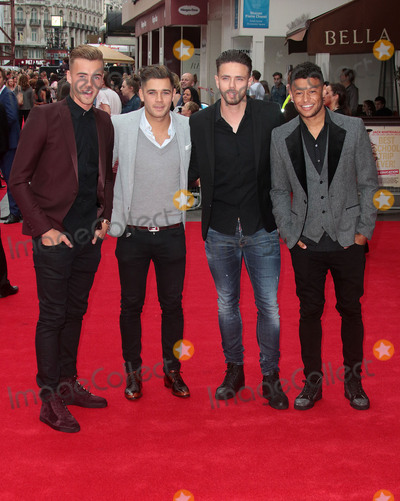 """Alex Oxlade-Chamberlain Photo - August 20, 2015 - Calum Chambers (L) and Alex Oxlade-Chamberlain (R) with 2 friends in centre attending the """"The Bad Education Movie"""" World Premiere at Vue West End in London, UK."""