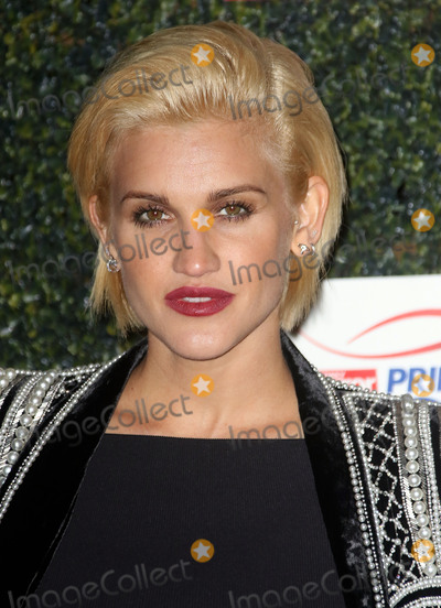 Ashley Roberts Photo - November 25, 2015 - Ashley Roberts attending the Daily Mirror Pride Of Sport Awards 2015 at the Grosvenor House in London, England