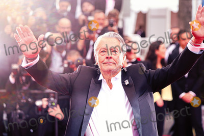 "Alain Delon Photo - CANNES, FRANCE - MAY 19: Alain Delon attends the screening of ""A Hidden Life (Une Vie Cache)"" during the 72nd annual Cannes Film Festival on May 19, 2019 in Cannes, France. 