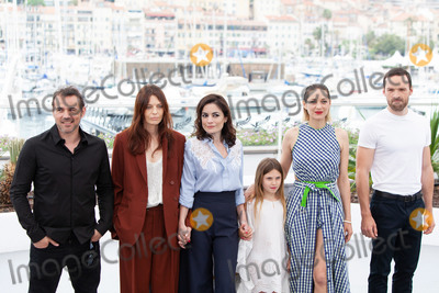 Marion Cotillard, Vanessa Larré Photo - CANNES, FRANCE - MAY 12: (L-R) Actor Stephane Rideau, actress Amelie Daure, director Vanessa Filho, actress Ayline Aksoy-Etaix, actress Marion Cotillard and actor Alban Lenoir attend the photocall for 'Angel Face (Gueule D'Ange)' during the 71st annual Cannes Film Festival at Palais des Festivals on May 12, 2018 in Cannes, France.  (Photo by Laurent Koffel/ImageCollect.com)