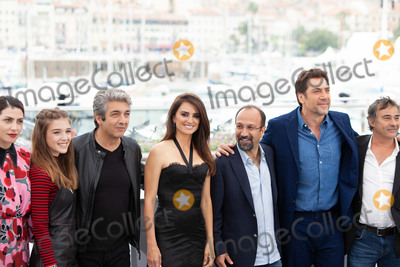 Eduard Fernandez, Javier Bardem, Penelope Cruz, Asghar Farhadi, Penelope  Cruz Photo - CANNES, FRANCE - MAY 09: Barbara Lennie, Carla Campra, Ricardo Darin, Penelope Cruz, Asghar Farhadi, Javier Bardem, Eduard Fernandez attend the photocall for 'Everybody Knows (Todos Lo Saben)' during the 71st annual Cannes Film Festival at Palais des Festivals on May 9, 2018 in Cannes, France.