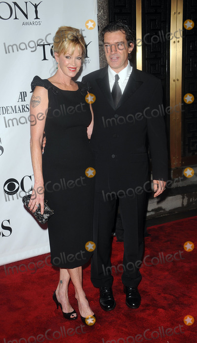 Antonio Banderas, Melanie Griffith, Melanie Griffiths Photo - Melanie Griffith and Antonio Banderas arriving at the 64th Annual Tony Awards at Radio City Music Hall on June 13, 2010 in New York City.
