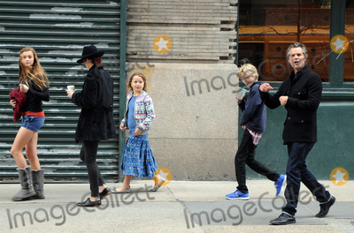 Timothy Olyphant Photo - Actor Timothy Olyphant (R), his wife Alexis Knief and their three children Grace, Lilly and Henry take a stroll in Soho on March 28 2012 in New York City