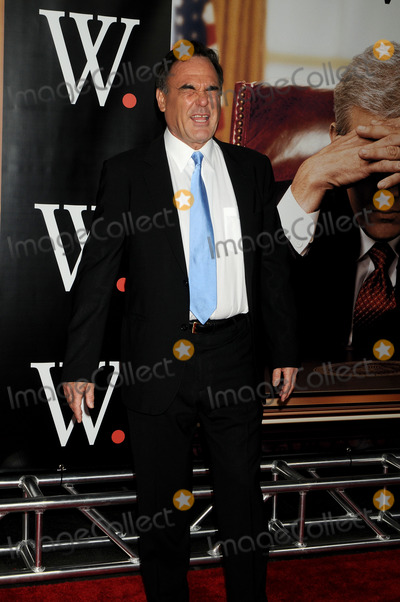 Oliver Stone Photo - Director Oliver Stone attends the 'W.' New York Premiere held at the Ziegfeld Theater on October 14, 2008 in New York City.