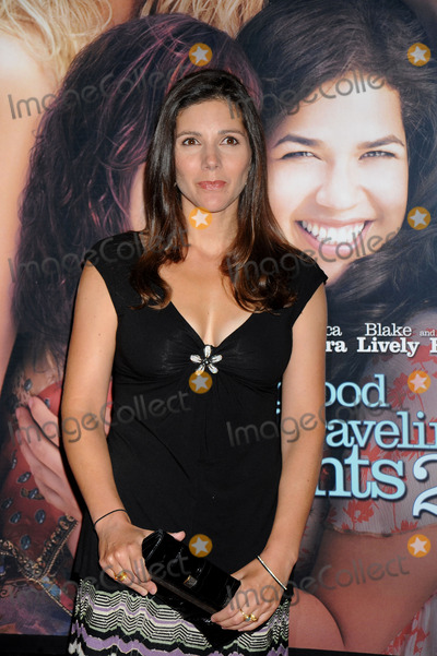 "Ann Brashares Photo - Writer Ann Brashares attends the 'Sisterhood of the Traveling Pants 2"" premiere held at the Ziegfeld Theatre on July 28, 2008 in New York."