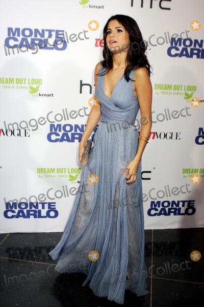 Selena Gomez, Gomez Photo - Selena Gomez arriving at the 'Monte Carlo' screening at AMC Loews Lincoln Square on June 23, 2011 in New York City.