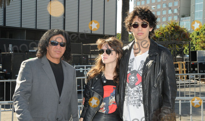 Gene Simmons, Nick Simmons, Alex Essoe Photo - Gene Simmons,  Alex Esso and Nick Simmons arrive at the 2011 VH1 Do Something Awards at the Hollywood Palladium on August 14, 2011 in Hollywood, California.