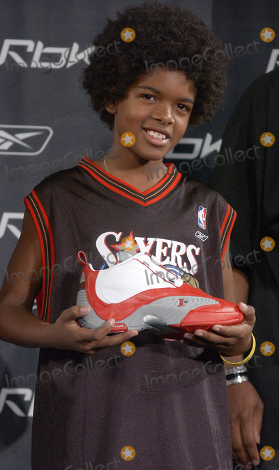 Allen Iverson Photo - NEW YORK, OCTOBER 17, 2005    A Reebok shoe model at the RBK Answer IX Sneaker Launch to celebrate ten years of Allen Iverson.
