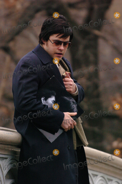 "Jared Leto, Tara Subkoff, John Lennon, Lindsay Lohan Photo - Jared Leto and Tara Subkoff were in Central Park filming ""Chapter 27"". The movie follows the days leading up to the murder of John Lennon by Mark David Chapman (played by Leto). Lindsay Lohan will also be in the movie. Leto is clutching a John Lennon album and a copy of 'Catcher in the Rye'."