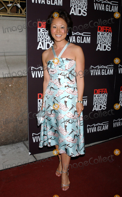 Alina Cho Photo - NEW YORK, JUNE 15, 2005    Alina Cho at MAC'S Viva Glam Casino to Benefit DIFFA held at Gotham Hall.