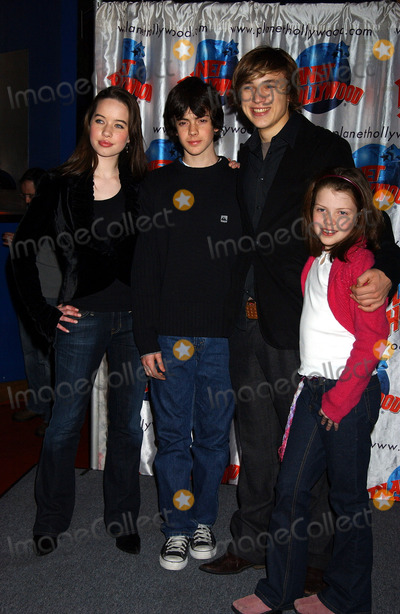Skandar Keynes, William Moseley, Georgi, Anna Popplewell, The Cast, Anna Maria Perez de Taglé Photo - Anna Popplewell, Skandar Keynes, William Moseley and Georgie Henly at the cast appearance of Disney Pictures new film 'The Chonicles of Narnia' held at Planet Hollywood.
