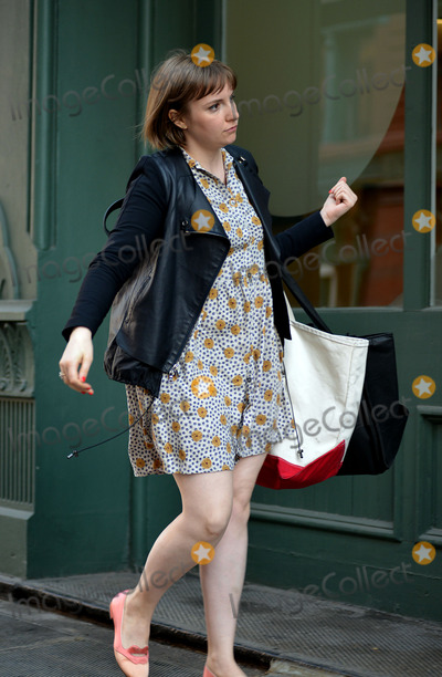 Lena Dunham, Taylor Swift Photo - April 14 2014, New York City