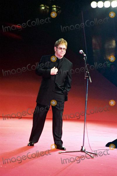 Elton John Photo - ELTON JOHN at Life Ball  2002 in Vienna, Austria. May 19, 2002. REF: PPSA2059.
