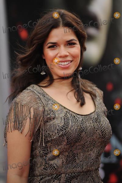 America Ferrera Photo - America Ferrera attends the New York premiere of 'Harry Potter And The Deathly Hallows: Part 2' at Avery Fisher Hall, Lincoln Center on July 11, 2011 in New York City