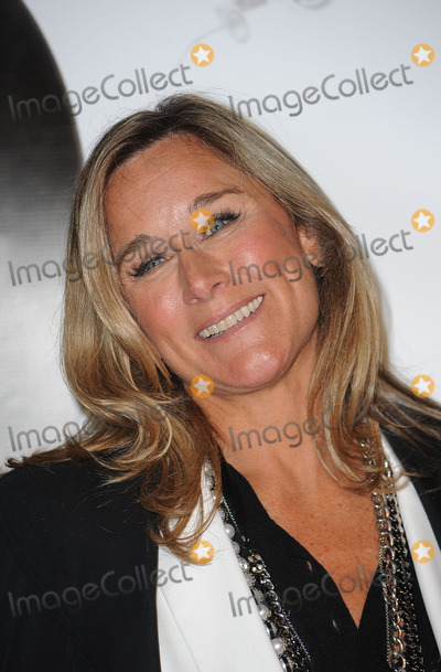 ANGELA AHRENDTS Photo - Angela Ahrendts (CEO of Burberry) attends Burberry Day at The New York Palace Hotel on May 28, 2009 in New York City.
