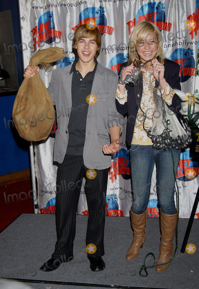 Brie Larson, Cody Linley Photo - Brie Larson and Cody Linley donating items from the movie 'Hoot' to Planet Hollywood.