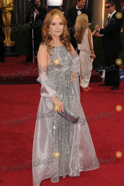 Lea Thompson Photo - Lea Thompson arriving at the 84th Annual Academy Awards at the Hollywood & Highland Center on February 26, 2012 in Hollywood, California