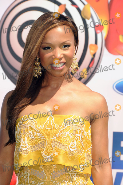 Elise Neal Photo - Actress Elise Neal arriving at the BET Awards '11 held at the Shrine Auditorium on June 26, 2011 in Los Angeles, California.