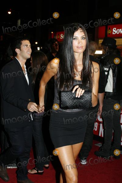 Alina Puscau Photo - Model Alina Puscau outside the 2009 MTV Video Music Awards at Radio City Music Hall on September 13 2009 in New York City.