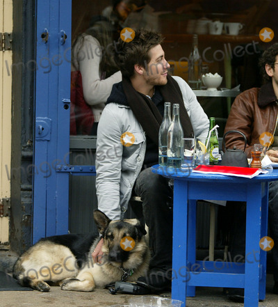Kirsten Dunst And Jake Gyllenhaal Eating Photos and Pictu...