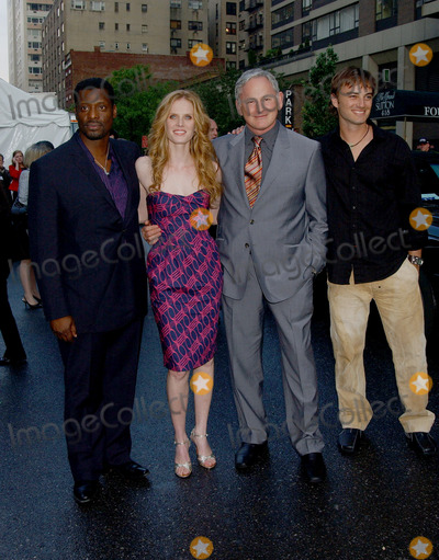 Victor Garber, Kerr Smith, Rebecca Mader, Eamonn Walker Photo - Kerr Smith, Eamonn Walker, Rebecca Mader and Victor Garber at the FOX Broadcasting Company Upfront.