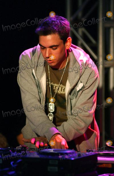 Adam (DJ AM) Goldstein, DJ AM, Hüsker Dü Photo - NEW YORK, SEPTEMBER 29, 2005    Adam 'DJ AM' Goldstein at the debut of Iz from Zizzle at Toys R Us.