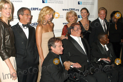 Group Shot, Barbara Walters, Catherine Zeta-Jones, Christopher Reeve, Deborah Roberts, Michael Douglas, Ron Meyer, William Christopher, Paula Zahn, KIM CATRALL, Robin Williams, AL ROCKER Photo - 12th Annual Magical Birthday Bash to benefit the Christopher Reeve Paralysis Foundation at the Marriott Marquis. Pictured are: (L to R) Paula Zahn, Ron Meyer, Kim Catrall, Robin Williams, Christopher Reeve, Barbara Walters, Catherine Zeta-Jones and Michael Douglas, Deborah Roberts and husband Al Rocker. New York, September 25, 2002.