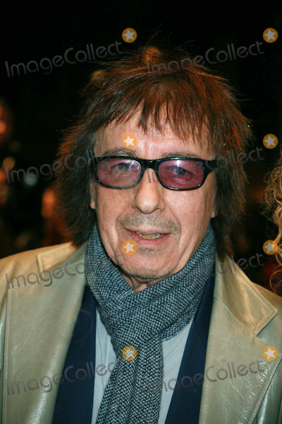 Bill Wyman Photo - Musician Bill Wyman arriving at the UK film premiere of 'Sleuth', at the Odeon West End cinema