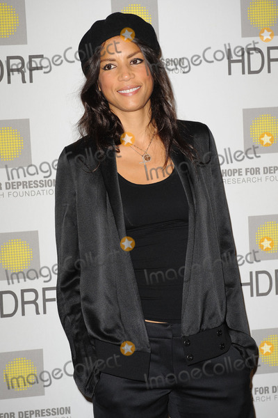 Veronica Webb Photo - Veronica Webb at the 'Hope for Depression Research Foundation Seminar' at the Time Warner Center on November 16, 2009 in New York City.