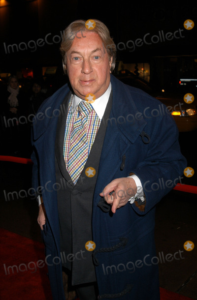 Arnold Scassi, The Specials Photo - Arnold Scassi arrives at the special screening of TNT's 'The Goodbye Girl' in New York City. January 12 2004.