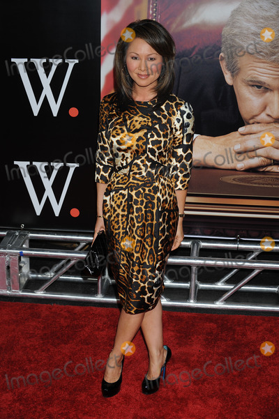 "Alina Cho Photo - Journalist Alina Cho arriving at the premiere of ""W."" at the Ziegfeld Theatre on October 14 2008 in New York City."
