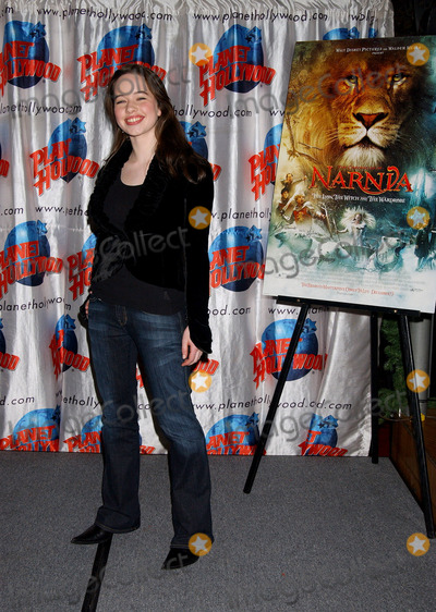 Anna Popplewell, The Cast, Anna Maria Perez de Taglé Photo - Anna Popplewell at the cast appearance of Disney Pictures new film 'The Chonicles of Narnia' held at Planet Hollywood.