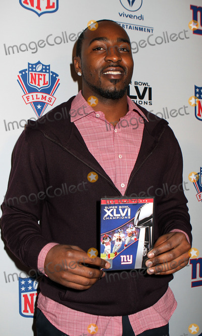 Hakeem Nicks Photo - Hakeem Nicks of the New York Giants at the Super Bowl XLVI Champions: New York Giants 'Blue Carpet' VIP premiere at the Regal E-Walk Stadium 13 on March 5, 2012 in New York City.