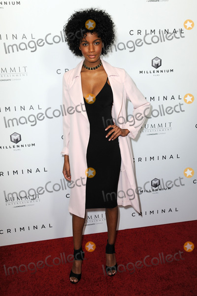 Ebonee Davis Photo - 