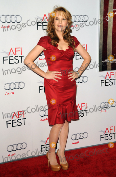 Lea Thompson, Audy, Grauman's Chinese Theatre Photo - Lea Thompson arriving at the AFI FEST 2011 Presented By Audi - 'J. Edgar' Opening Night Gala at Grauman's Chinese Theatre on November 3, 2011 in Hollywood, California.