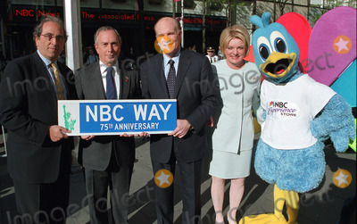"Andy Lack, Bob Wright, Michael Bloomberg, Suzanne Wright Photo - (L to R) President of NBC Andy Lack, Mayor of New York Michael Bloomberg, Vice Chairman and CEO of NBC Bob Wright and Suzanne Wright rename 49th Street to ""NBC Way"" Street in New York to celebrate NBC's 75th Anniversary. May 3, 2002."