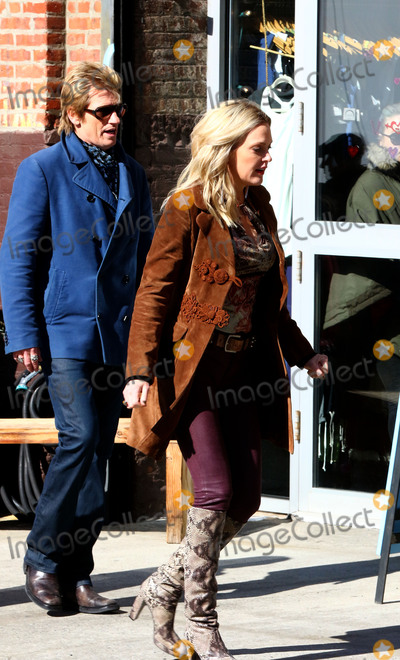 Denis Leary, Elaine Hendrix Photo -   March 1 2016, New York City  Actors Denis Leary and Elaine Hendrix were on the Brooklyn set of the new TV show 'Sex&Drugs&Rock&Roll' on March 1 2016 in New York City  By Line: Zelig Shaul/ACE Pictures   ACE Pictures, Inc. tel: 646 769 0430