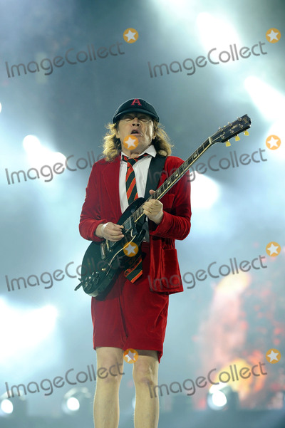 AC/DC, Angus Young, Wembley Stadium, Hüsker Dü Photo - 