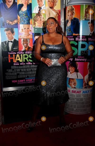 Queen Latifah, Latifah, Queen Photo - Actress Queen Latifah arrives at the 'Hairspray' Premiere held at the held at the Ziegfeld Theater in New York City.