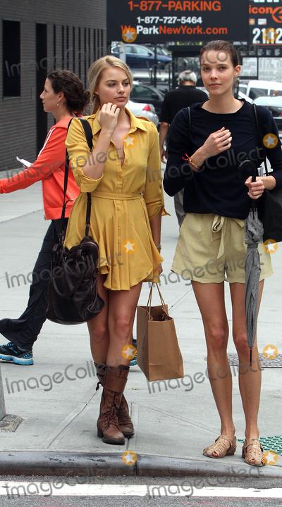 Margot Robbie Photo - October 3 2012, New York City  Actress Margot Robbie out in Soho on October 3 2012 in New York City