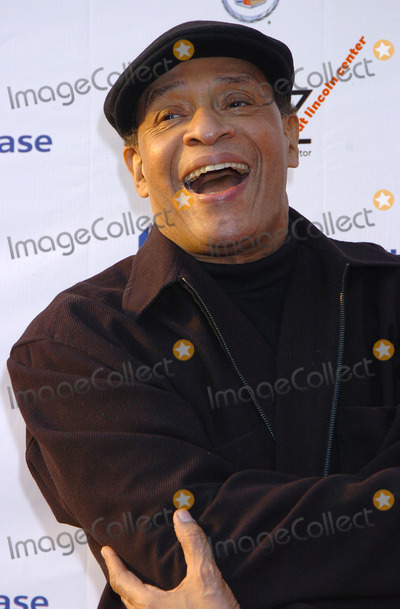 """Al Jarreau Photo - NEW YORK, JUNE 7, 2004    Al Jarreau attends the  Lincoln Center's 3rd Annual Spring Gala """"Teach Me Tonight"""" at the Apollo Theater. The benefit performance will go to educational programs produced by Jazz at Lincoln Center."""