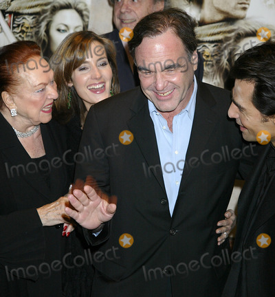 Oliver Stone Photo - NEW YORK, NOVEMBER 22, 2004    Oliver Stone at the Alexander preview screening in NYC.