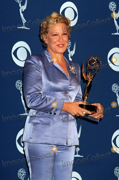 Bette Midler Photo - 14SEP97:  BETTE MIDLER at the Emmy Awards in Pasadena.