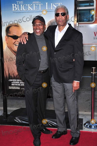 """Morgan Freeman, Alfonso Freeman, Alfonso André Photo - Morgan Freeman & son Alfonso Freeman at the Los Angeles premiere of his new movie """"The Bucket List"""" at the Cinerama Dome, Hollywood.December 16, 2007  Los Angeles, CAPicture: Paul Smith / Featureflash"""