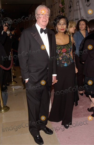 Michael Caine, Shakira, Michael Cain, Michael Bublé, Michael Paré Photo - Actor MICHAEL CAINE & wife SHAKIRA at the 16th Carousel of Hope Ball at the Beverly Hills Hilton. The gala is the world's premiere charity event raising money for the fight against childhood diabetes.October 23, 2004