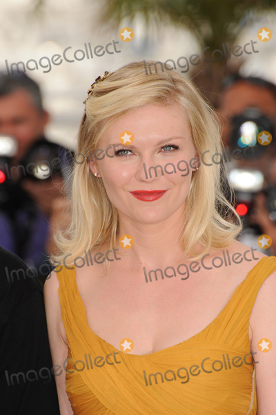 Photos and Pictures - Kirsten Dunst at the photocall for ...