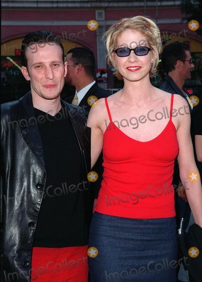 "Jenna Elfman Photo - 15MAR98:  ""Dharma & Greg"" star JENNA ELFMAN & boyfriend at 20th anniversary re-premiere of ""Grease"" at Mann's Chinese Theatre, Hollywood."